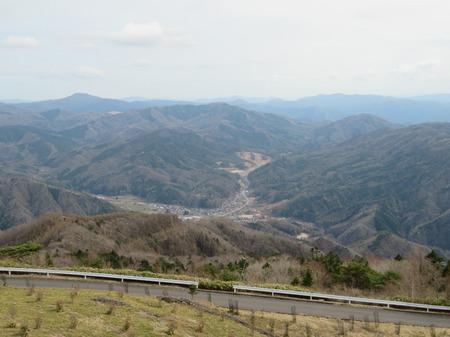 高嶺展望台から平谷村を望む