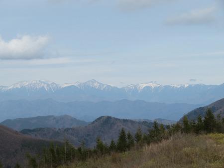 高嶺展望台からアルプスを望む